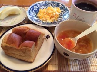ブランブレッドで朝食