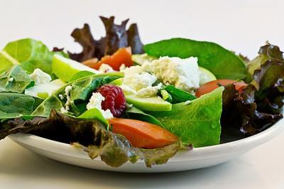 salad-374173_640_convert_20150207225836.jpg