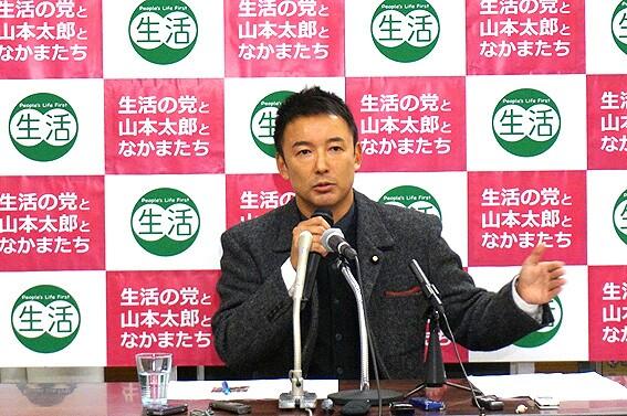 山本太郎、この国は1日に5人が餓死する! 6人に1人が貧困!今国会ではとんでもない法案が、富裕層優遇