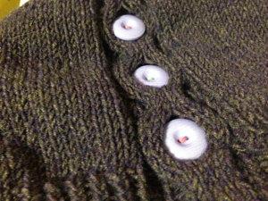 201150202 ハニカム模様の帽子 ボタン部分