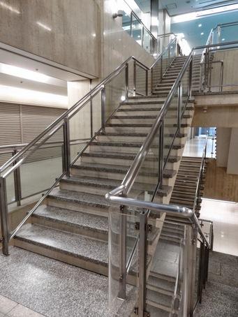 大阪駅前ビル07