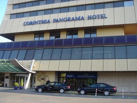 13-1チェコプラハのホテル シンドラー社のエレベータ