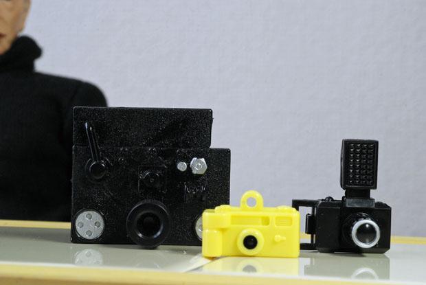 スチルカメラ10