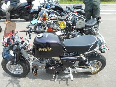 ミニバイクのバイク隊