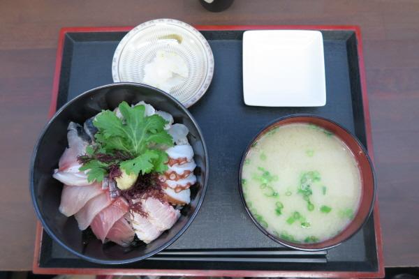 志摩の海鮮丼屋4