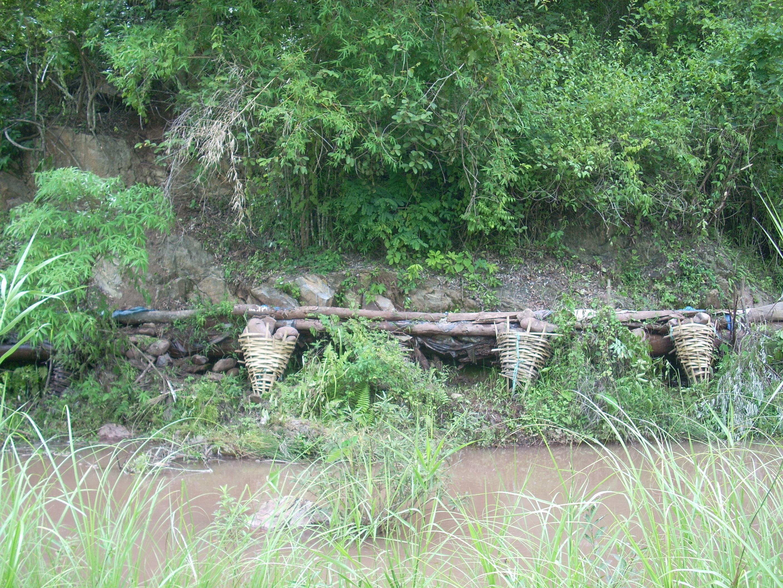 農民が建設した潅漑水路