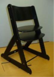椅子(被告)