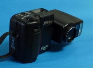 Nikon E950