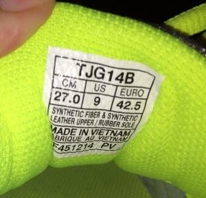 sneaker size (600x577)