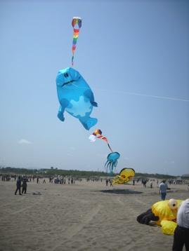 15年05・10第27回内灘世界の凧の祭典 013