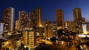 ワイキキラナイアズから見たワイキキの夜景