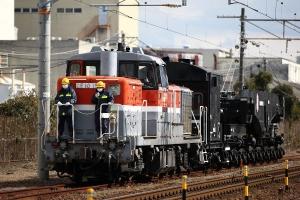 本線横断に向け吉原駅方面へ進行中