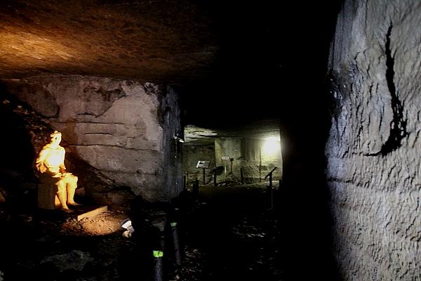 15室岩洞5
