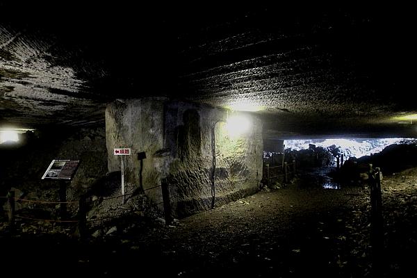 15室岩洞6