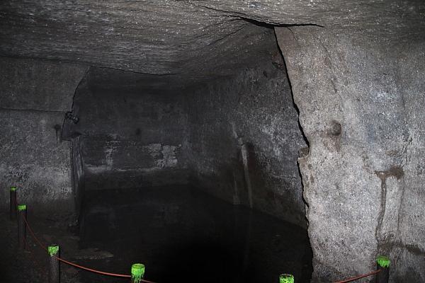 15室岩洞9