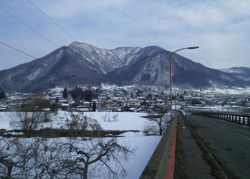 柳沢からの高社山(27.2.12)