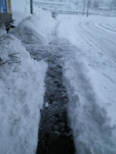 歩道も除雪(27.2.20)