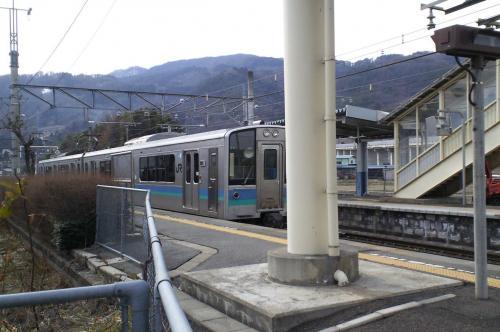 上り普通列車出発(27.2.28)