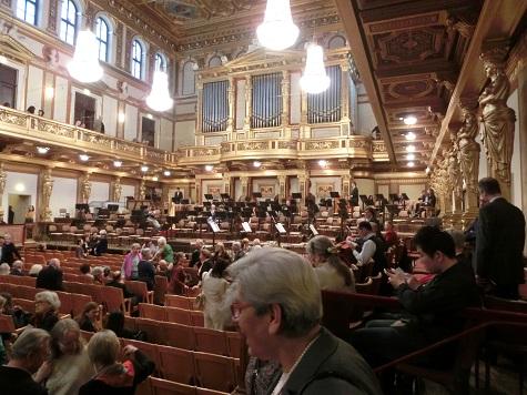 12 ウィーン楽友協会・黄金の大広間・ウィーンフィル ・休憩