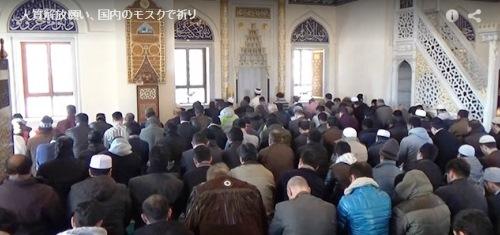 1月23日 朝日 モスクで祈り