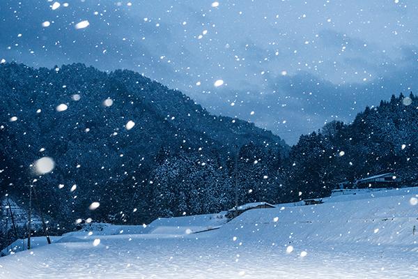 ストロボあり雪国