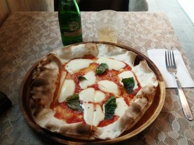 モッツァレラチーズピザ①