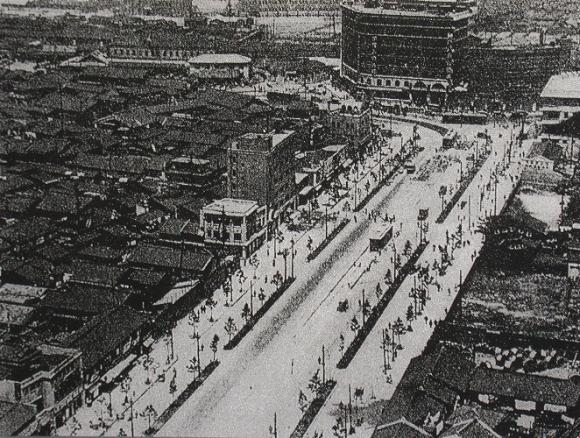 御堂筋完成1937年(昭和12年)