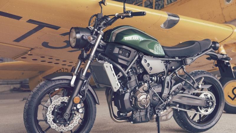 2016-Yamaha-XSR700-EU-Forrest-Green-Static-009 (800x450)