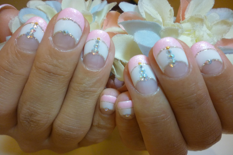 白×シャーベットピンクダブルフレンチネイル