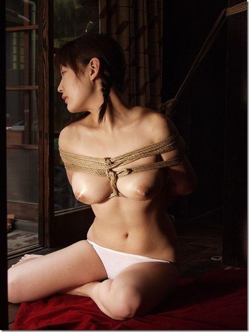 【SM緊縛エロ画像】昭和風、夫婦のSMは戯れに似て