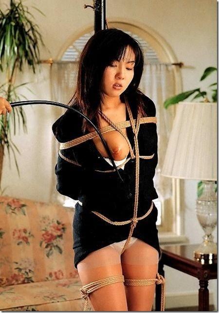 【SM緊縛エロ画像】昭和風、夫婦のSMは戯れに似て18