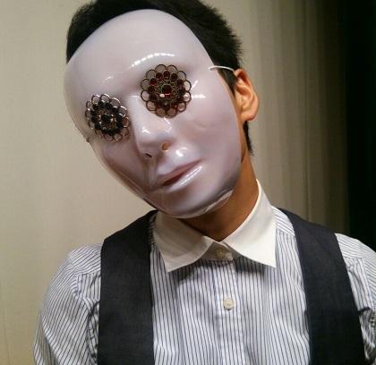 仮面の写真_arr