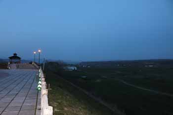 20150425_夕暮れの駐車公園1