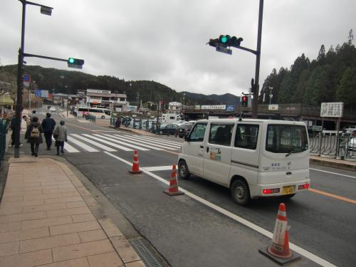 奥の院バス広場