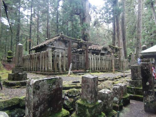 結城秀康の墓
