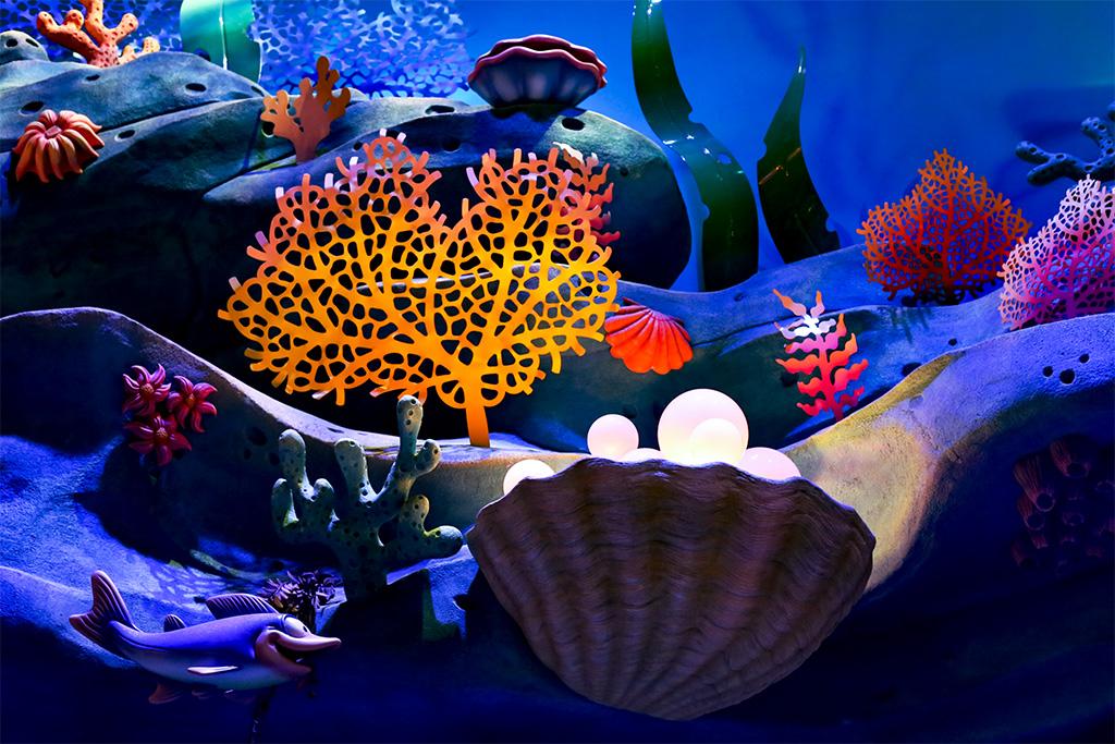 海の底(マーメイドラグーン)(EOS 6D 手持ち夜景)