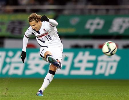 Diego Forlan cerezo osaka tokiyo verdy free kick goal