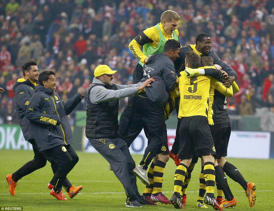 Bayern 1-1 Dortmund_celebrate victory