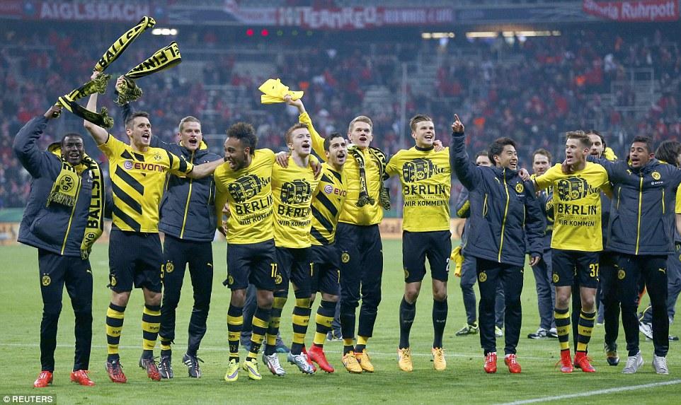 Bayern 1-1 Dortmund_celebrate victory_3