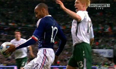 Thierry-Henry-handball-ag-002.jpg