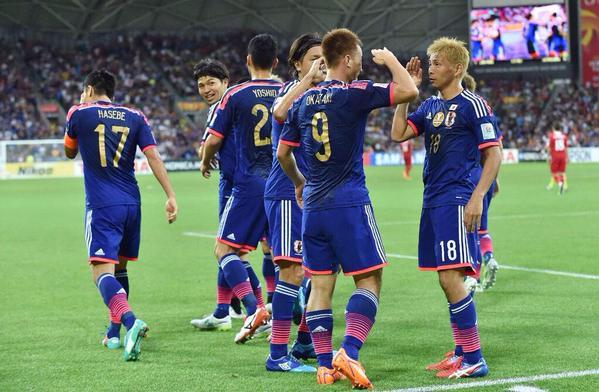 inui_okazaki_jordan_salute.jpg