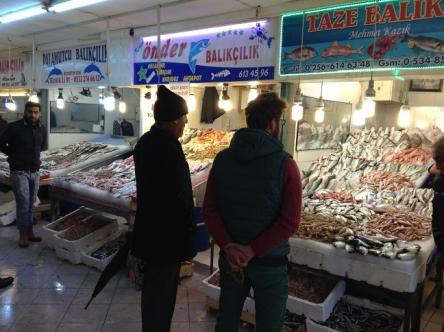 魚市場ってうきうきするよね