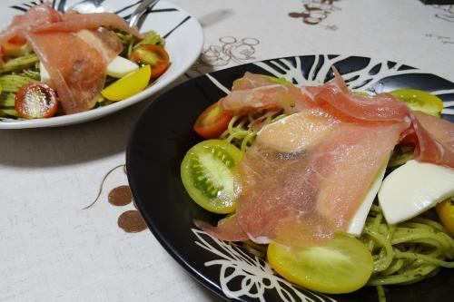 バジルとプチトマトのパスタ
