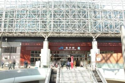 JR金沢駅2015