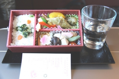 北陸新幹線東京編和軽食