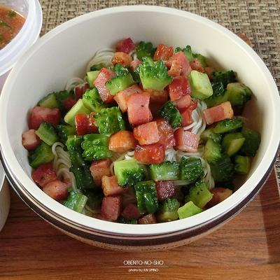 ゴーヤの野菜ジュース素麺弁当02