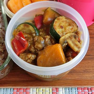 夏野菜のカレー弁当02