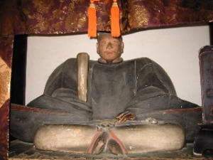 等持院 木彫り1