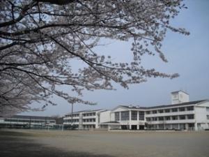 鶴牧中学校