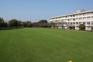 南鶴牧小学校
